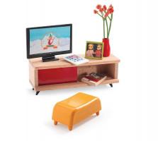 Domček pre bábiky – izba s televíziou